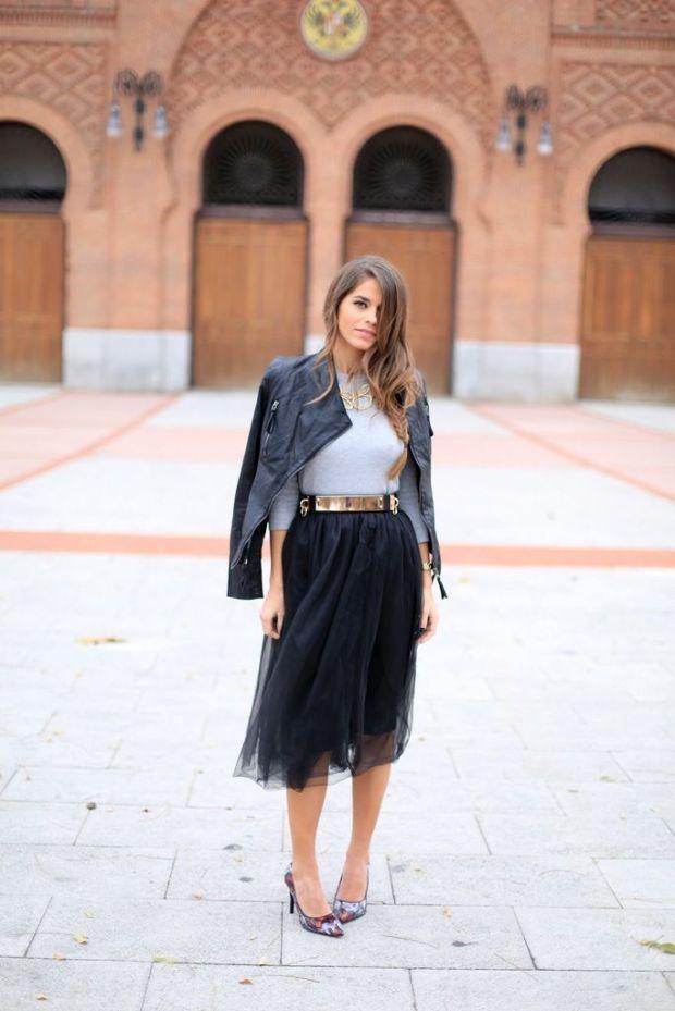 black-tulle-skirt-and-gold-belt